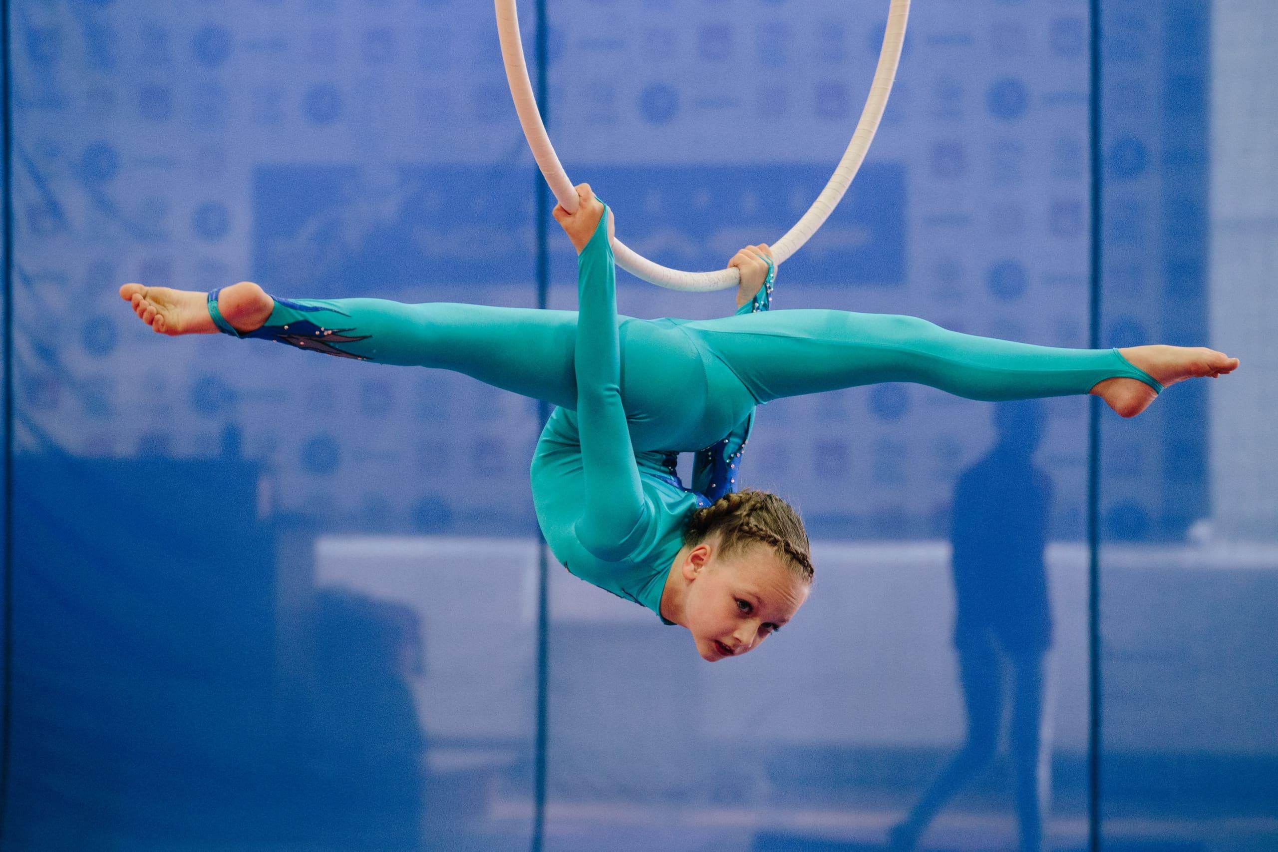 свое фото воздушной гимнастики свадебный фотограф днепропетровске